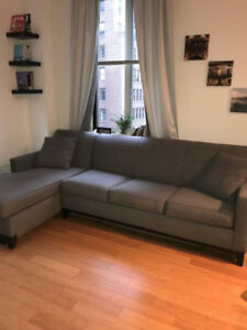 *** GRAY PULLOUT COUCH ***