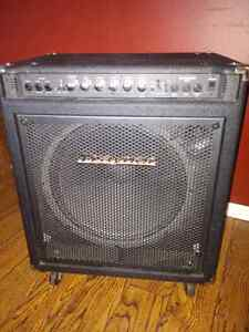 Bass Amp Combo Traynor DynaBass 200 West Island Greater Montréal image 1