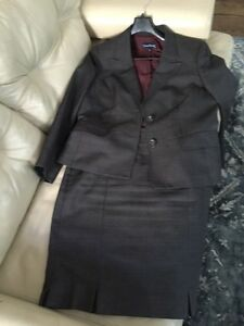 Evan Picone jacket and skirt size 16 London Ontario image 2
