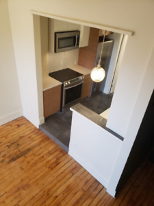 Beautiful one bedroom unit located in the center of Stratford
