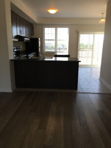 Bright Almost New Spacious 3-Bed Townhouse