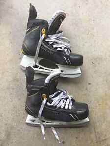 Youth Bauer Skates Size 5.5