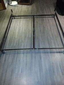 Bed frame, LOW profile, Double or Queen bed, 5 caster wheels