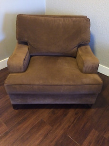 Sofa buy and sell furniture in calgary kijiji for Sofa bed kijiji calgary