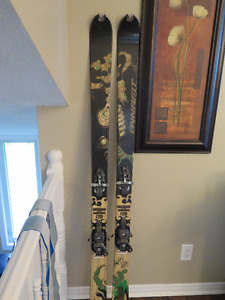 Dynafit Mustaghata back-country skis