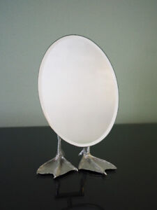 Kikkerland Duck-Footed Tabletop Oval Kid's Mirror