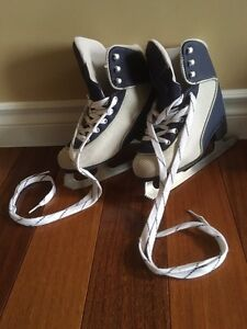 Cameo Soft Boot Ice Skates Girls Size 13/1
