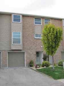 3 bedroom townhouse in Kincardine. 25 Philips Place