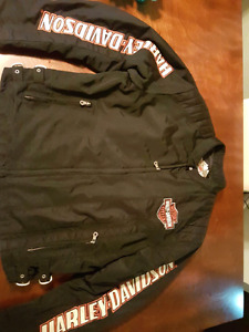 Harley davidson mens coat. In good shape