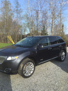 Ford Lincoln 2013 comme neuf a vendre!!