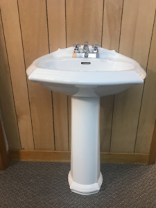 Pedestal Sink with Taps Included-Perfect Condition