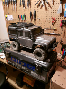 Traxxas Trx4 and 2 race buggies