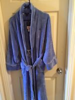 TOMMY HILFIGER WOMENS BATHROBE - NEW