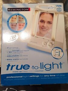 Remington True-to-light make-up mirror / Miroir grossissant