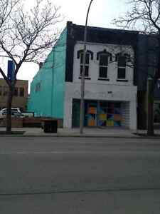 Downtown Sarnia ~ Available July 1 ~ Charming 1 bedroom~