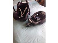 Maxi-cosi car seat and base