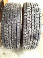 2 - 235/70/16 Dunlop Grandtrek SJ6 Winter, 90%