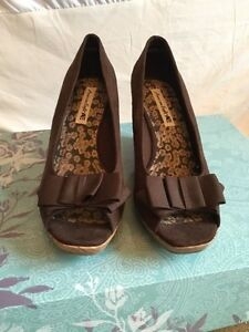 Women's shoes size 10 Peterborough Peterborough Area image 2