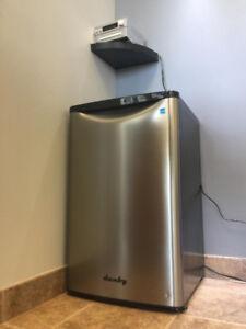 Réfrigérateur Danby en acier inoxydable 4,4 pi cu