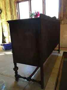 Antique Buffet/ Cabinet - new price its got to go! West Island Greater Montréal image 5