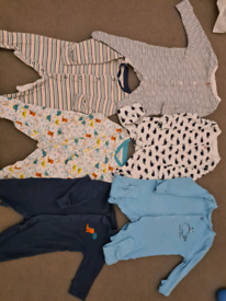 Baby sleepsuits 0-3 months x6