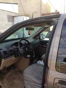 2005 Saturn Relay Minivan, Van Windsor Region Ontario image 3
