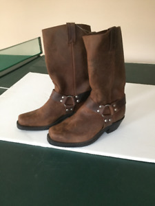 Brand New CANADIAN WEST Boots, size 9 1/2