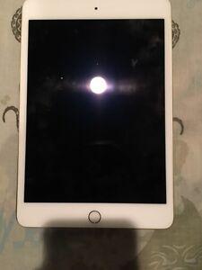 iPad Mini 4 Gold 64 GB