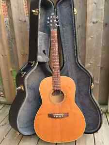 Seagull S6 + Folk acoustic guitar and case Kitchener / Waterloo Kitchener Area image 1