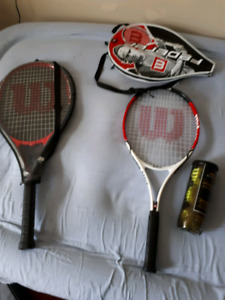 2 TENNIS RACQUETS AND TENNIS BALLS