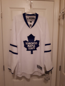 Brand New Toronto Maple Leafs Jersey Size Large