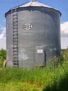 4900 bushel grain tank