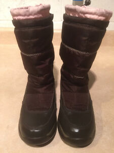 Toddler Cougar Winter Boots Size 12 London Ontario image 2