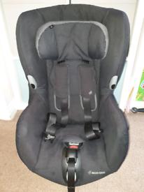 Maxi-Cosi Axiss 90 degree swivel car seat (used)