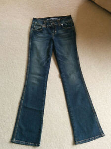 Guess Jeans Kitchener / Waterloo Kitchener Area image 1