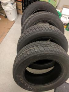 Winter tire 215/60R16 pneu d'hiver