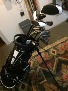 Golf Clubs Right Handed With Bag and Covers (irons/driver/woods)
