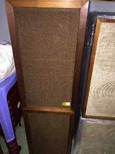 VINTAGE SPEAKERS ,AMPLIFIERS ,ANY CONDITION Sarnia Sarnia Area image 2