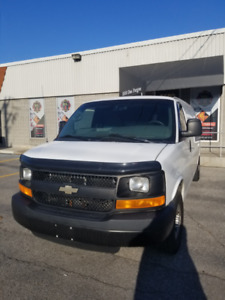 Chevrolet Express 2014 3500 Allongé (Cargo + Racking)