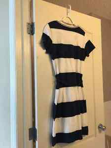 Two Hilfiger dresses - like new - size medium Edmonton Edmonton Area image 4