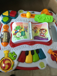 Leap Frog, Leap Start Learning Table/French and English