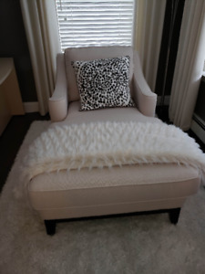 Chaise Lounge (NEW)