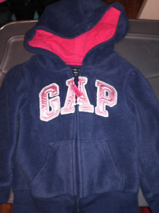 Gap Fleece Top size 3t