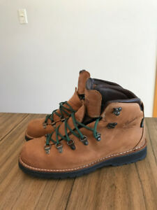 New Men's Danner Boots (Limited Edition Danny Davis) Size 10 US