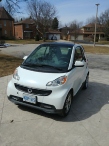 2013 Smart Car Fortwo - white