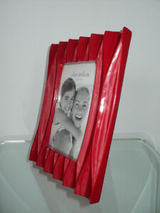 CLAIR DE LUNE RED MODERN PHOTO/PICTURE FRAME - NEW WITH TAGS Cornwall Ontario image 6