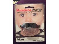 Moustache pacifier dummy