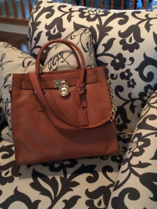 Gorgeous Michael Kors Purse