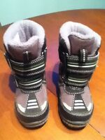 Excellent condition size 5 winter boots, rain boots and shoes