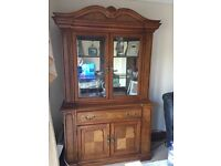 Unit and dressing table